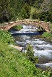 Vecchio ponticello di pietra. Vall de Ransol (Andorra) Fotografia Stock Libera da Diritti