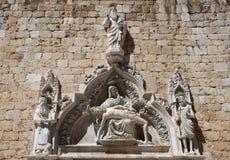 Vecchio portale della chiesa della città di Dubrovnik Fotografia Stock