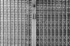 Vecchio portello d'acciaio Fotografia Stock Libera da Diritti