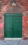 Vecchio portello del magazzino fotografia stock libera da diritti