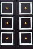 Vecchio portello di legno tailandese. fotografia stock