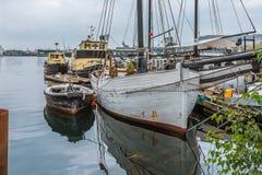 Vecchio porticciolo di pesca nel porto di Copenhaghen immagini stock