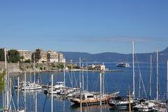 Vecchio porto della città di Corfù fotografia stock libera da diritti