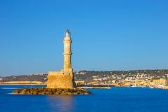 Vecchio porto e faro in Chania, Creta, Grecia Esposizione lunga fotografia stock