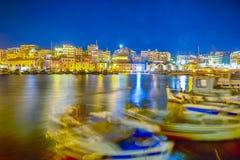 Vecchio porto veneziano con le linee di navi e di barche fotografie stock