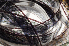 Vecchio positivo una striscia di pellicola da 16 millimetri su fondo bianco Fotografie Stock