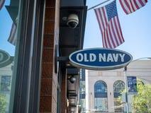 Vecchio posizione di deposito esterna inviata della marina segno fotografia stock libera da diritti
