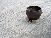 Vecchio POT cinese del metallo Fotografie Stock Libere da Diritti