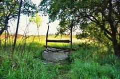 Vecchio pozzo abbandonato Fotografia Stock Libera da Diritti