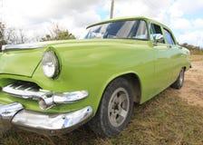 Vecchio primo piano americano verde dell'automobile Immagini Stock Libere da Diritti