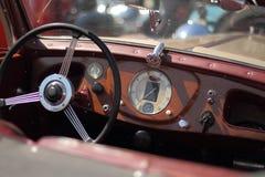 Vecchio primo piano dell'automobile Immagini Stock