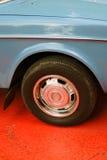 Vecchio primo piano della ruota di automobile Retro Fest a Mosca Immagine Stock Libera da Diritti