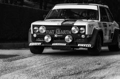 Vecchio raduno della vettura da corsa di FIAT 131 ABARTH 1977 Immagini Stock Libere da Diritti