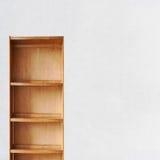 Vecchio retro scaffale di libro di legno vuoto Immagini Stock Libere da Diritti