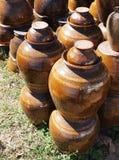 Vecchio retro stile delle terraglie ceramiche del vaso Fotografia Stock