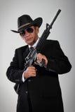 Vecchio ritratto del gangster con la mitragliatrice immagine stock