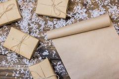 Vecchio rotolo sulla tavola una lettera a Santa Claus Immagine Stock