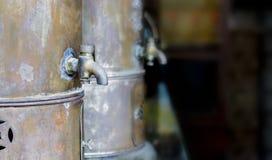 Vecchio rubinetto d'ottone d'annata Fotografia Stock Libera da Diritti
