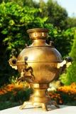 Vecchio samovar russo del tè Fotografia Stock