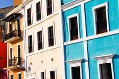 Vecchio San Juan - rosso, pareti gialle e blu Immagine Stock Libera da Diritti