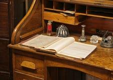 Vecchio scrittorio della quercia Fotografia Stock
