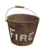 Vecchio secchio di fuoco di legno isolato Fotografia Stock
