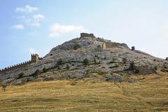 Vecchio secolo genovese della fortezza XI in Sudak crimea l'ucraina fotografia stock