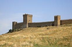 Vecchio secolo genovese della fortezza XI in Sudak crimea l'ucraina fotografia stock libera da diritti