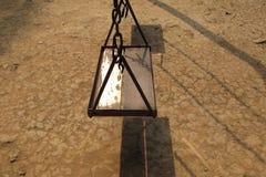 Vecchio sedile di legno vuoto dell'oscillazione Fotografie Stock Libere da Diritti