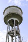 Vecchio serbatoio di acqua Immagine Stock