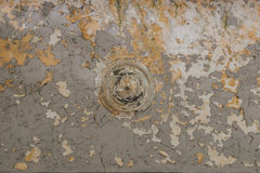 Vecchio soffitto scalfito con pittura incrinata Immagini Stock