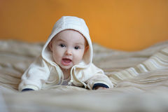 Vecchio sorridere di sei mesi della neonata Immagine Stock Libera da Diritti