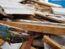 Vecchio spreco dei bordi, di riparazione e della costruzione immagine stock