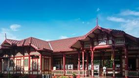 Vecchio stile tailandese della stazione ferroviaria Fotografia Stock