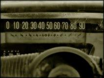 Vecchio tachimetro dell'automobile Immagini Stock