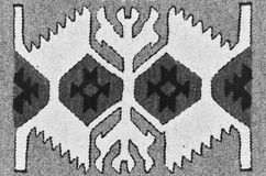 Vecchio tappeto rumeno tradizionale della lana Fotografie Stock Libere da Diritti