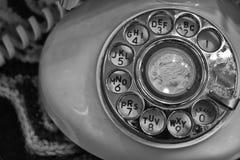 Vecchio telefono di quadrante rotatorio fotografia stock libera da diritti