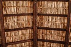 Vecchio tetto di legno mediterraneo Fotografie Stock