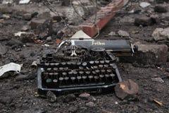 Vecchio tipo guerra mondiale dello scrittore fotografie stock