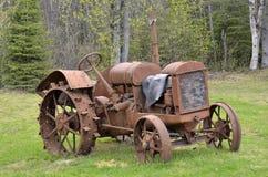 Vecchio trattore fotografie stock libere da diritti