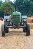 Vecchio trattore immagine stock