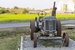 Vecchio trattore Fotografia Stock Libera da Diritti
