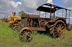 Vecchio trattore arrugginito di Hart Parr immagini stock libere da diritti