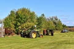 Vecchio trattore consumato di John Deere R fotografia stock