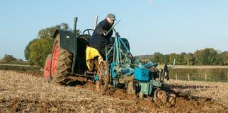 Vecchio trattore d'annata verde del fordson Immagine Stock