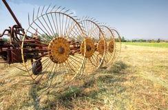 Vecchio trattore del rastrello Fotografia Stock Libera da Diritti