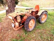 Vecchio trattore di papà immagini stock