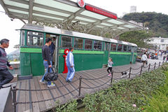 Vecchio treno di punta sul punto di riferimento di Victoria Peak, Hong Kong fotografia stock libera da diritti