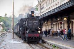 Vecchio treno a vapore in funzione fotografia stock libera da diritti