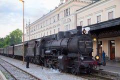 Vecchio treno a vapore in funzione fotografia stock